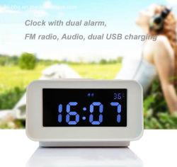 二重アラームFM無線のスピーカー二重USB充満および温度の表示が付いているタブレットの上のクロックはホテルおよびモーテルの使用のために設計した