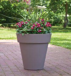 Piantatrice in plastica rotonda patio da 18 pollici, patio con vaso da fiori da giardino, colore: Taupe/piombo (LW2021-45)