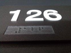 Metal/Acrílico placa de nombre de la puerta de signo Braille wc cartel Ada Plaque
