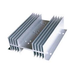 La Chine Tube aluminium de haute qualité, l'Extrusion de profilés en aluminium de RAM Dissipateur de chaleur pour Cold Storage, tube à ailettes en aluminium