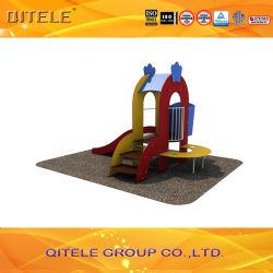 卸し売りプラスチックプレイグラウンド装置低価格屋外のプレイグラウンドセット