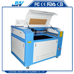 PS/Pes/PA/Plasticのホイルまたはフィルムのための6090のレーザーの彫版かマーキングまたは打抜き機