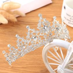 De concurrerende Ornamenten van het Haar van de Kroon van de Tiara's van de Juwelen van de Manier van de Prijs Imitatie Gevoelige Bruids