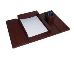 デスクトップの贅沢な文房具ののどの白いオフィスの革机セット