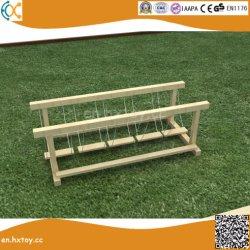 Jardin extérieur en bois pour les enfants de pont de suspension pendulaire