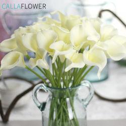 Die reale Note PUcalla-Lilie hält künstliche Blumen-Vorbereitungen Wedding Blumensträuße MW01501 auf