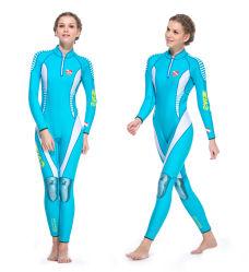 高品質のウェットスーツの人および女性の保護者3mmのネオプレンの水泳のウォーター・スポーツのための長い袖のたくわえの暖かい背部ジッパーをサーフする完全なスキューバダイビングのスーツ