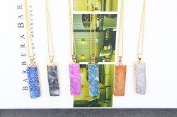Bijoux en or de pierre brute irrégulières de la nature de la chaîne Coloré Collier or bijoux en pierres naturelles Collier Pendentif en pierre de cristal pour les femmes