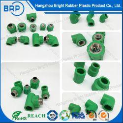 Giunture di plastica personalizzate del connettore del tubo della varia iniezione di alta precisione per uso di industria