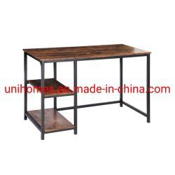 Ordenador de sobremesa de oficina en casa pequeño estudio de escritorio con estantes sencillos modernos