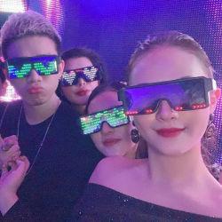 党魔法のフラッシュLEDガラスAPP制御Bluetooth明るいDJのサングラス
