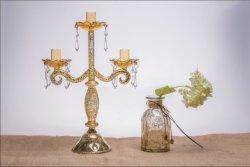 أثر قديم لون زجاجيّة [كندل هولدر] لأنّ عرس زخرفة مع ثلاثة ملصقة