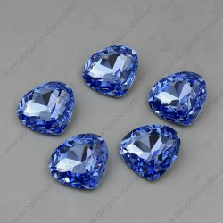 水晶の衣服の付属品のためのハート形にされた豪華な石