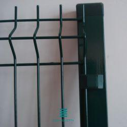 PVCは電流を通された3Dによって溶接された金網の塀のパネルに塗った