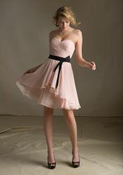Chiffon negro satinado de color rosa con guillotina Homecoming Bridesmaid corto vestidos