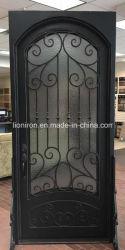 Porte di ingresso doppie esterne in ferro battuto per l'edificio degli appartamenti