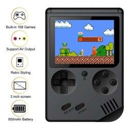 手持ち型のゲームコンソール、レトロの小型FC 168の標準的でノスタルジックなゲーム