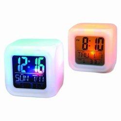 변화 입방체 달력 빛 디지털 책상 시계를 착색하십시오