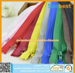 Fermeture éclair en nylon coloré pour vêtements
