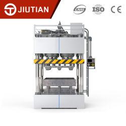 機械を作るライン熱い出版物によって圧縮される木製パレットを完了しなさい