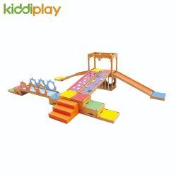 Neue Entwurfs-China-Fabrik-hölzerne Spielplatz-Innenkinder, die Spiel-Sets für Kindergarten-Ausgangsgymnastischen Spielplatz ausbilden