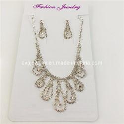Form-stellen hängende Brauthalsketten-Ohrring-Schmucksachen sehr große Diamant-beiläufige Abnützung ein