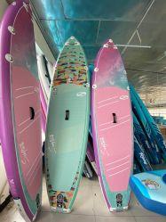 Wasser-Verein-Yoga-Surfbrettsup-Fastfood- Paddel-Vorstand-Brandung-Vorstand