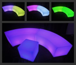 Bar/KTVの党によって照らされるヘビの椅子のための装飾防水LEDの腰掛け