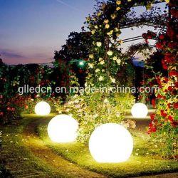 La lumière solaire LED Boule de feu flottant RVB de natation ballon avec les couleurs changent pour le jardin et piscine