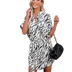 Nouveau style de vêtements de l'été cheval monobloc Imprimer robe à manches courtes lâche irrégulière