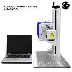 목제 서류상 피복 가죽 플라스틱에 기계를 인쇄하는 탁상용 이산화탄소 Laser 표하기 조각 로고