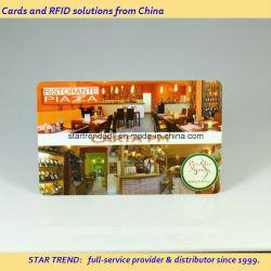 Quatre couleurs de l'impression avec une bande magnétique de la signature de la carte du restaurant