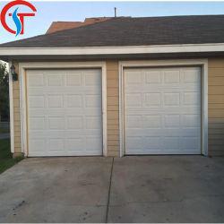 自動操作のオープナが付いている部門別のガレージのドア