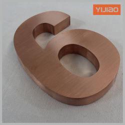 Le métal des lettres pour le numéro de maison porte numéro miroir Vitage finition laiton brossé finition cuivre