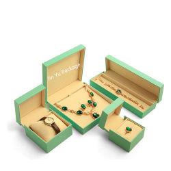 Custom élégant en cuir en plastique vert papier cadeau boîtes d'emballage de bijoux