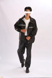 Poliéster/OEM de camuflaje de PVC impermeable Casaca impermeable con pantalones para hombres Yc-3
