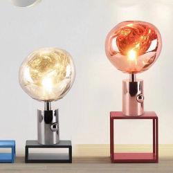 La décoration d'acrylique de luxe créative d'éclairage moderne LED lave chambre à coucher Bureau de la lumière de lampe de table de fusion