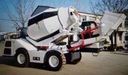 Bouw die van het Cement van de Lading Chasis van Cummins de Motor Geïntegreerde Mini Zelf Mobiele de Vrachtwagen van de Mixer van Machines mengt met 4.5cbm