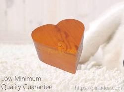 Bois de pin à bon marché Pet dons hommage commémoratif cadeau souvenir en forme de coeur de l'Urne Boîte, Engravable. Garantie de qualité.