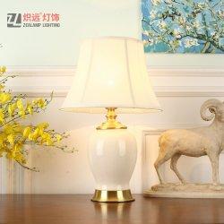 Décoratifs Modernes de lampe de table en céramique blanche pour l'hôtel (TL8039)