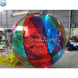 Gang op de Gekleurde Reuze Opblaasbare Bal van de Bel van het Water voor het Stuk speelgoed van het Zwembad, de Menselijke Drijvende Bal van de Bal van de Hamster