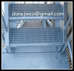熱いすくいの電流を通された鋼鉄格子のチェッカーの版階段