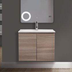 Platzsparender Badezimmerschrank aus leichter Eiche mit Keramikbecken
