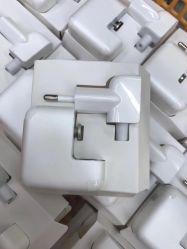 L'Ue 12W standard di buona qualità digiuna adattatore mobile di carico dell'adattatore di potere del caricatore del telefono mobile del caricatore del caricatore del USB
