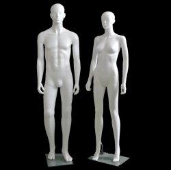 Mae femelle Kid enfants la moitié de l'affichage de formulaire mannequin en plastique