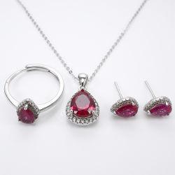 Silberne Schmucksachen des Form-birnenförmige Edelstein-Großhandels925 stellten mit synthetischem rotem Korund für Frauen ein