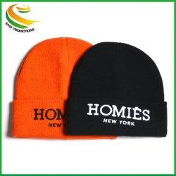 Personalizar el 100% acrílico Beanie tejidos de moda invierno cálido Beanie Hat con bordados