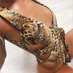 Définir la récolte Tops Bondage culotte maillots de bain avec manteau Printedcolor Women's hot bikini vendre des vêtements de plage
