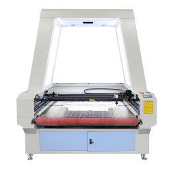 La Chine de CO2 de la tête double caméra CCD d'alimentation automatique de la table de découpe et de gravure laser de la machine pour le chiffon de tissu cuir feutre de laine