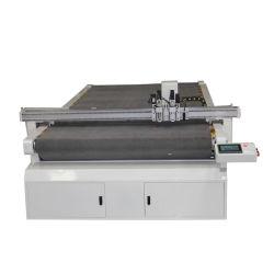 Le CNC Couteau oscillant Cuir Boîte en carton routeur de la machine de coupe